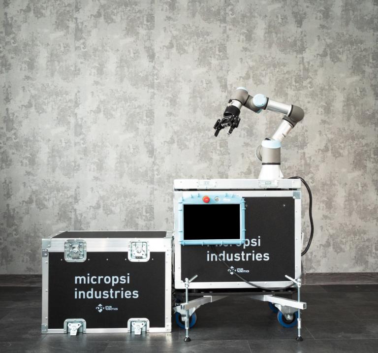 programowanie stanowisk z robotami