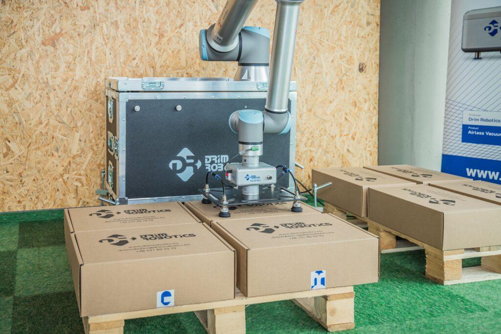 Paletyzacja robotami Universal Robots